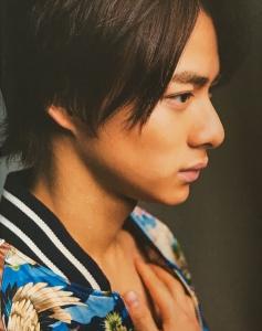 平野紫耀髪型 デコだし6
